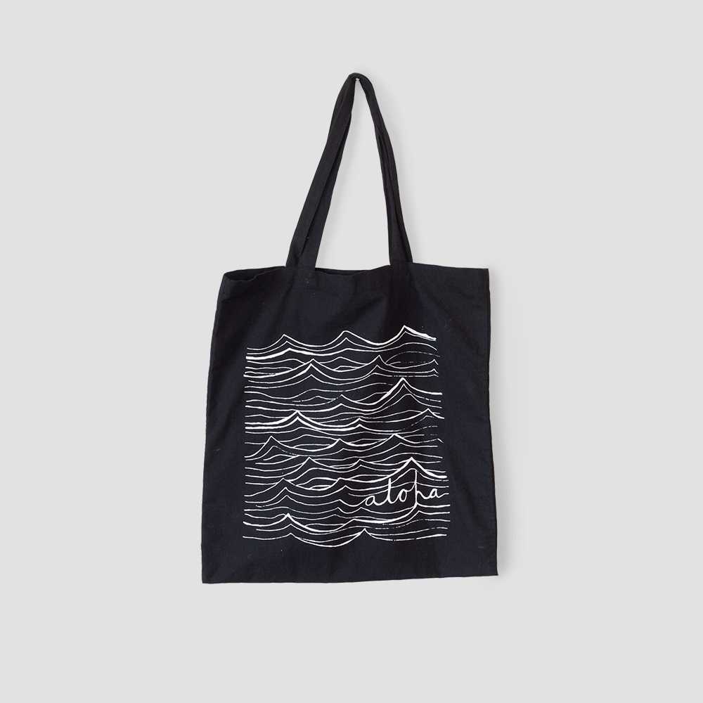 Aloha waves tote bag